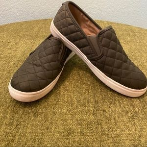 3/$25 Mossimo Olive Green Quilted Slip On Sneakers
